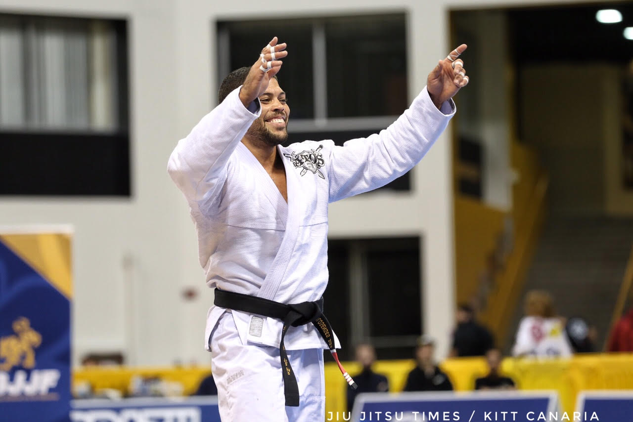 Andre Galvao Defeats Patrick Gaudio